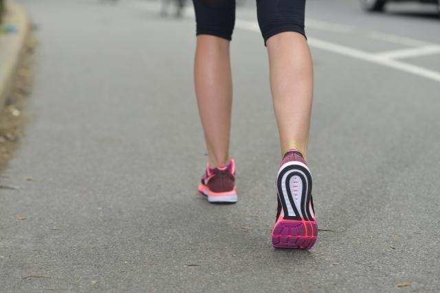 歩く速度と歩幅の関係