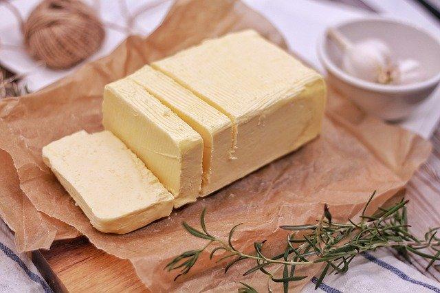 マーガリンとバターの違い